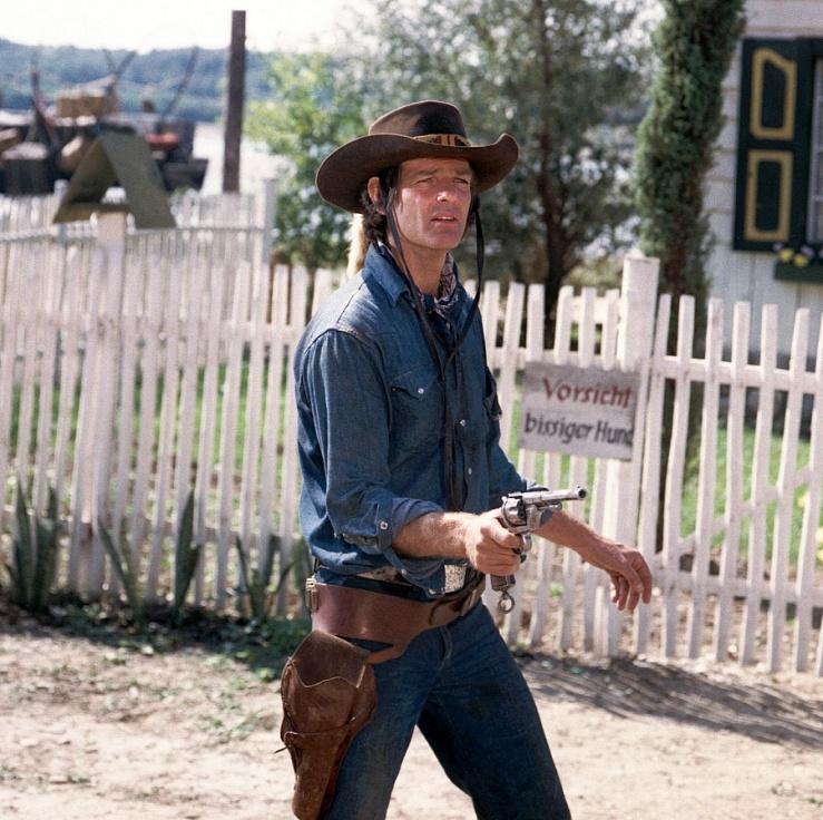 Dean Reed as gunfighter